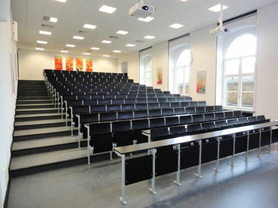 Hannover Leibniz Universität Hörsaal B 305 (2018 – 2019)